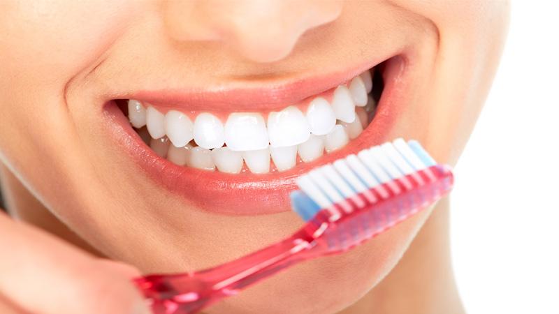 دیابت و مشکلات و بهداشت دهان و دندان