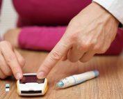 دستگاه تست قند خون در خانه